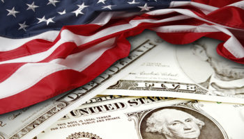 Dólar sobem antes de inflação