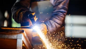 industria-produção-industrial-empresario-da-industria; bens industriais-investimentos